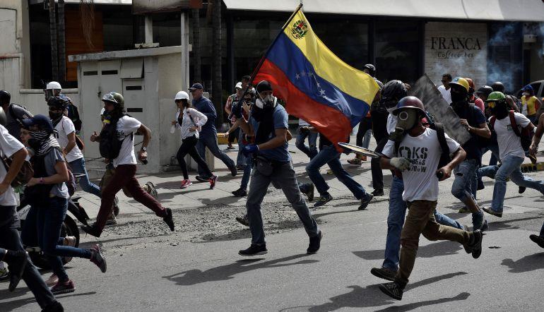 """""""Detener la violencia en Venezuela, una tarea urgente"""": Embajador De Alba"""