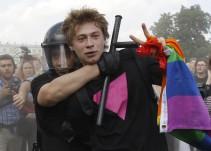 #AsíSopitas: Rusia prohíbe la homosexualidad