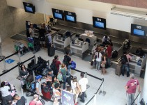 ¿Sabes cuáles son sus nuevos derechos si viaja en avión?