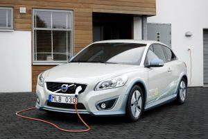 #AsíSopitas: Volvo dejará de vender autos de motor de combustión