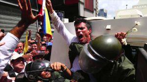 #AsíSopitas: Esposa de Leopoldo López aclara su postura ante el arresto domiciliario del líder opositor