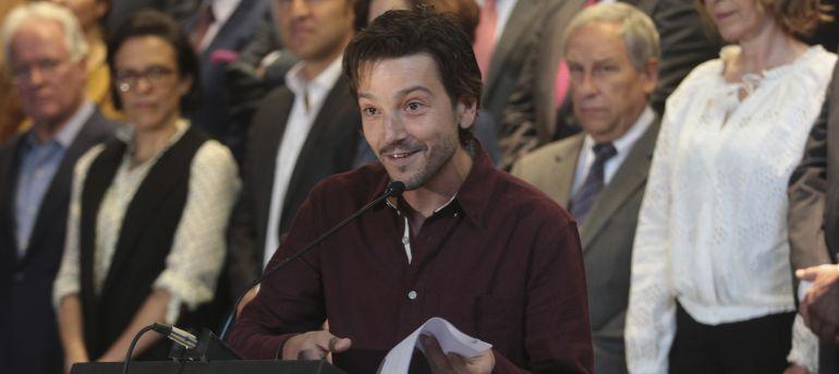 """""""A los políticos la corrupción les vale madres"""": Diego Luna"""