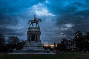 #AsíSopitas: Abolición de estatua del General Robert E. Lee; el origen de marchas supremacistas en Charlottesville
