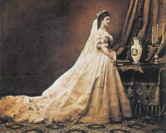 Reinas malditas, reinas marcadas por la tragedia