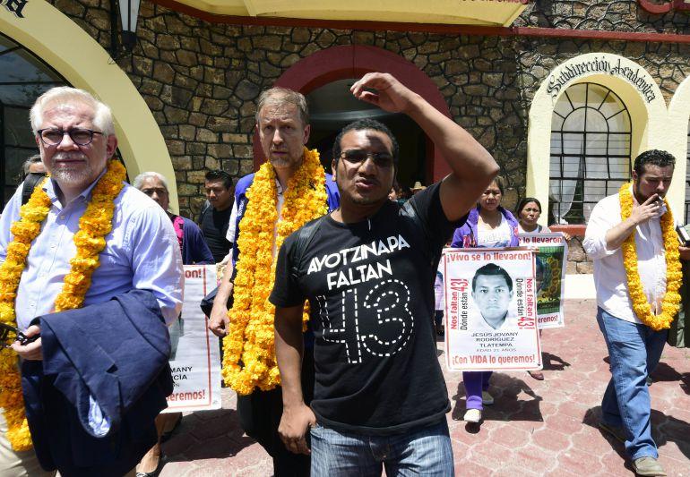 """""""La marcha por los tres años se pospone para otra fecha"""": Vidulfo Rosales, abogado de las familias de los 43"""