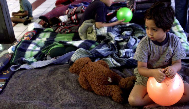 Trabajo, lágrimas y sonrisas en el albergue deportivo Cuauhtémoc