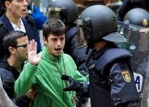 Futbolistas y celebridades reaccionaron en redes tras la violencia en el referéndum de España
