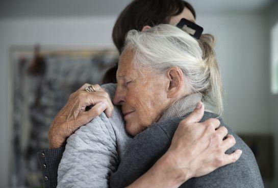 BBmundo: Cariñoterapia, ¿Cómo sanar con el abrazo?