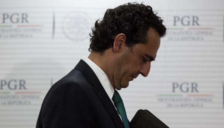 """""""Alberto Elías Beltrán no reúne los requisitos para ser encargado del despacho de la PGR"""": Everardo Moreno"""
