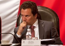 Defensa de Emilio Lozoya tendrá acceso total a la carpeta de investigación