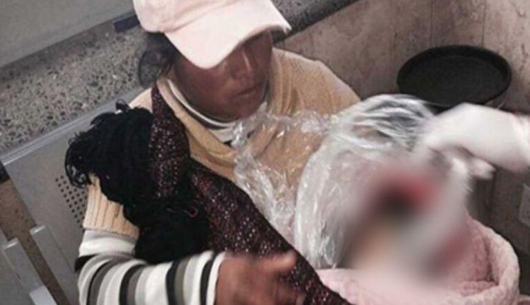 Menor fallece en brazos de su madre al llegar a terminal de autobuses