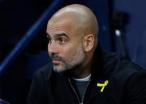 ¿Por qué Pep Guardiola porta un listón amarillo durante el partido?