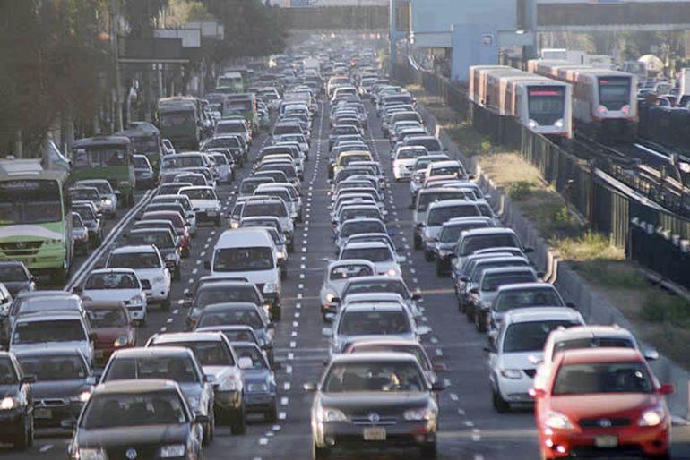 Tráfico, Vialidad, Tránsito: El tráfico en México avanza en promedio 6 km cada 30 minutos