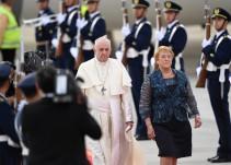 Papa pide perdón a víctimas de abuso sexual