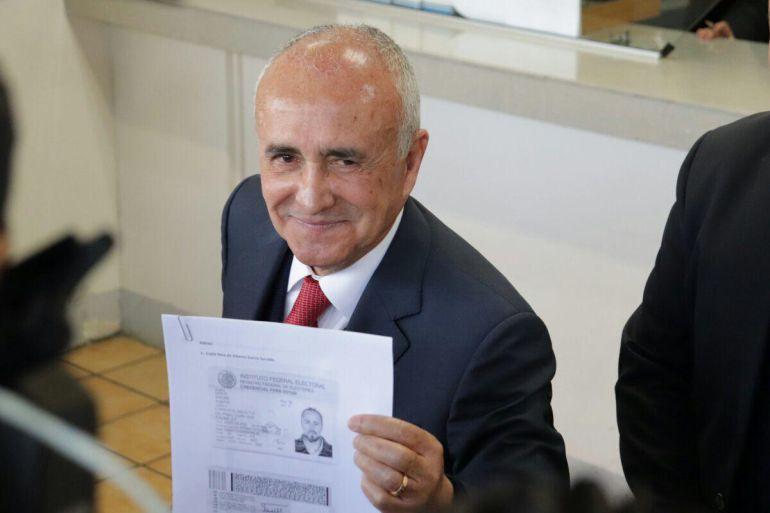 Ferriz denuncia uso ilegal de credenciales falsas