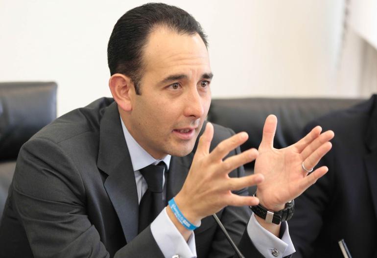 Entrevista con Roberto Gil Senador del PAN