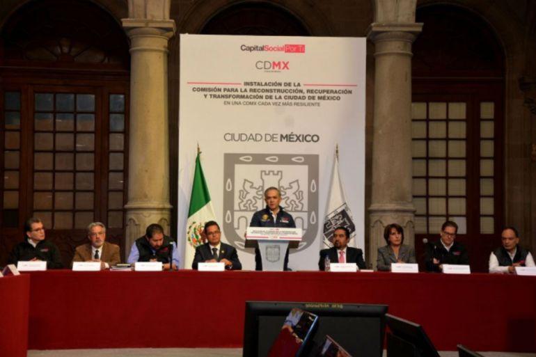 Renuncian Mauricio Merino y Ricardo Becerra a comisión de reconstrucción