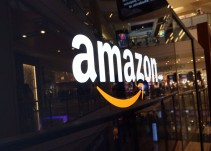 Lunes negro en los mercados bursátiles por temor en la guerra comercial entre ellos Amazon
