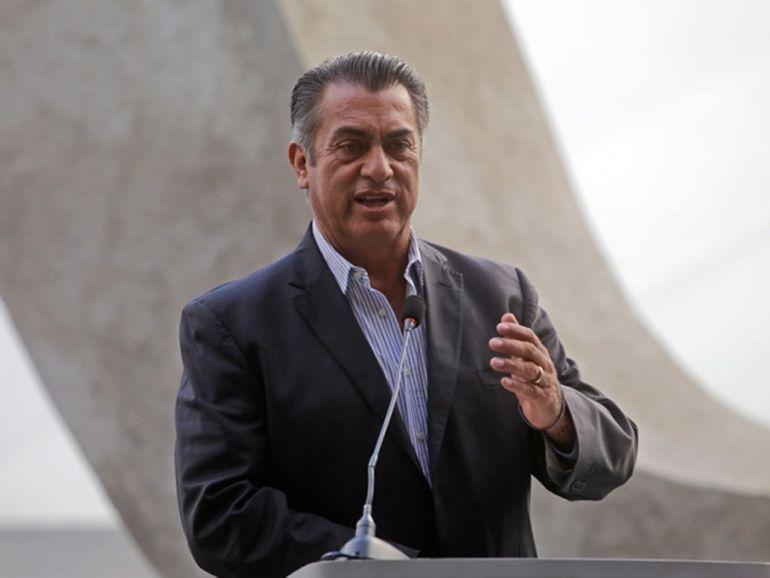 """""""Bronco presentó credenciales de personas fallecidas"""": Ricardo Raphael"""