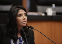 """""""Formato de debates es terrible"""": Alejandra Barrales"""