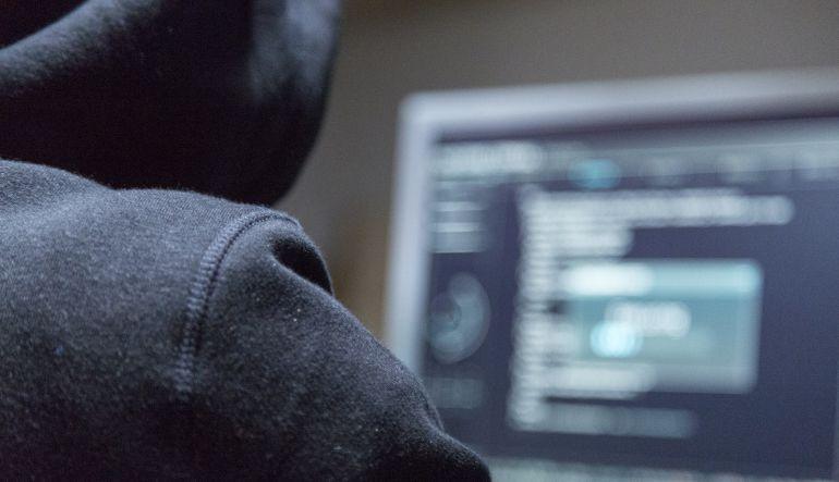 Hackers involucraron a clientes reales en ciberataque a bancos