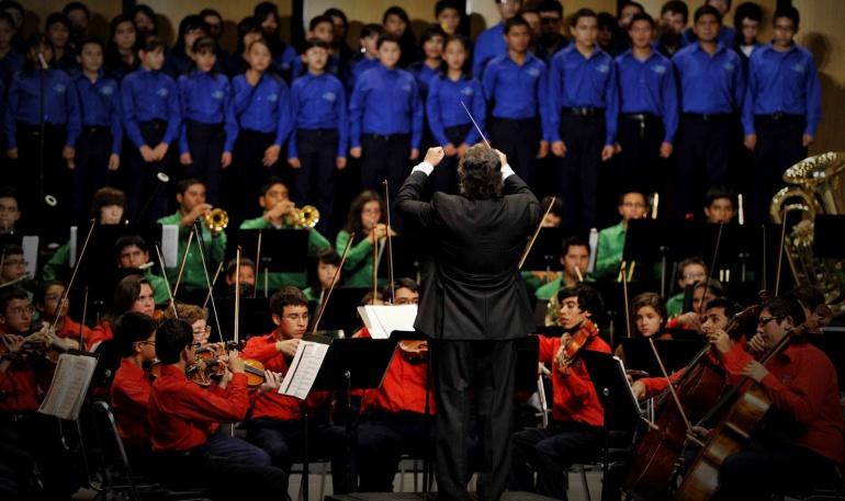 TV Azteca de Salinas Pliego financia Orquestas con recursos públicos: TV Azteca financia Orquestas con recursos públicos