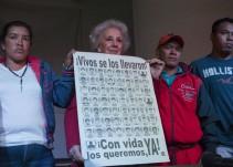 """""""No se rindan, salgan al mundo"""", Abuelas de Plaza de Mayo a padres de Ayotzinapa"""