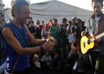 Café Tacvba en W Radio cuenta su experiencia con migrantes