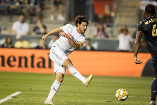 SOPITAS: Carlos Vela, está a punto de convertirse en el máximo goleador