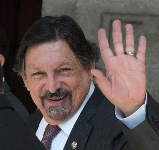 Su padre Napoleón Gómez Sada, conocido como Napo era líder del Sindicato Nacional de Trabajadores Mineros, Metalúrgicos, Siderúrgicos y Similares de la República Mexicana