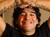 Desata fiebre de hinchas debut de Maradona como técnico de Argentina