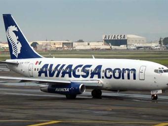 Inician manifestaciones simultáneas trabajadores de Aviacsa en todo el país