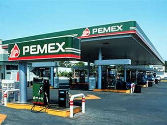Pierde Pemex 20 mil millones de pesos por ordeña a ductos