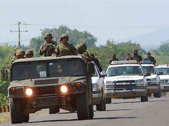 Incrementa Ejército presencia en aeropuerto ante llegada de Obama