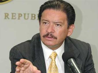 Ratifican a Navarrete como coordinador del PRD en Senado