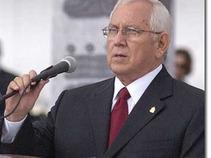 Micheletti pide a Zelaya nombres para gobierno de unidad