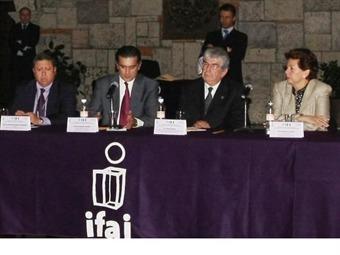 Exhorta IFAI a PEMEX que dé a conocer contratos