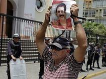 Fiscalía acusa a cúpula militar por expulsar a Zelaya