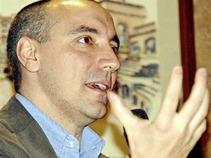 PGR no tiene argumentos: Carbonell