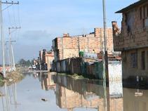 Estiman casi 100 mil afectados por inundaciones en Edomex