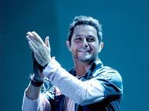 Emociona Alejandro Sanz a fans venezolanos en cierre de 'Paraíso tour'