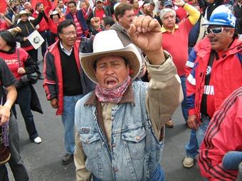 Se manifiestan en Pachuca 8 mil integrantes del SME