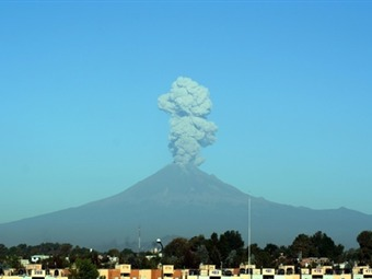 Continuará actividad en el Popocatépetl por formación de nuevo domo
