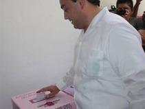 Emite su voto el Gobernador de Quintana Roo