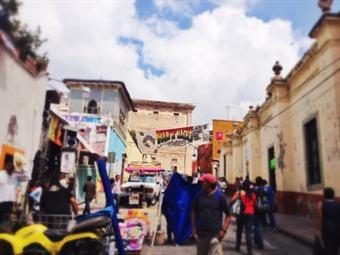 Mercado Hippie, una tradición del Cervantino