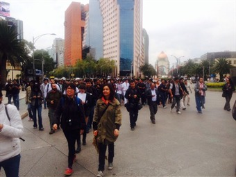 Estudiantes del IPN van a Gobernación y a la SEP