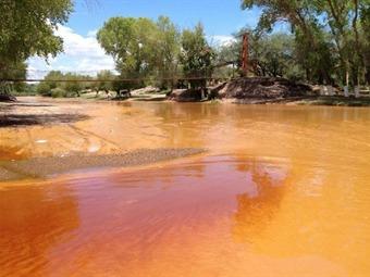 Busca SSa a más afectados por derrame minero en Río Sonora