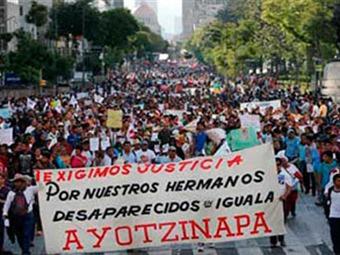 Abuelas de Plaza de Mayo se suman a #TodosSomosAyotzinapa