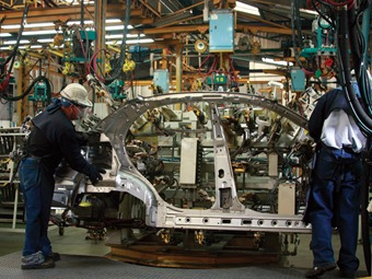 Aumenta producción industrial en México en 2014, respecto a 2013
