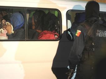 Rescatan a 129 mexicanos explotados por coreanos en Zapopan